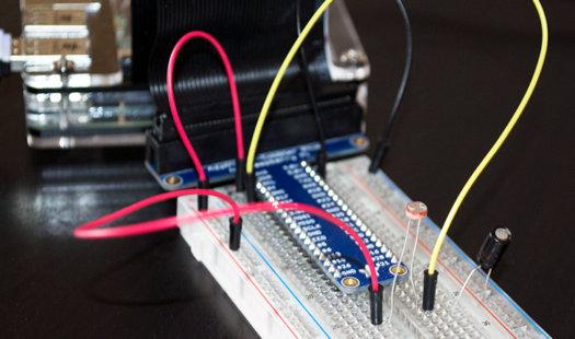 Raspberry Pi Light Sensor using a simple LDR Thumbnail