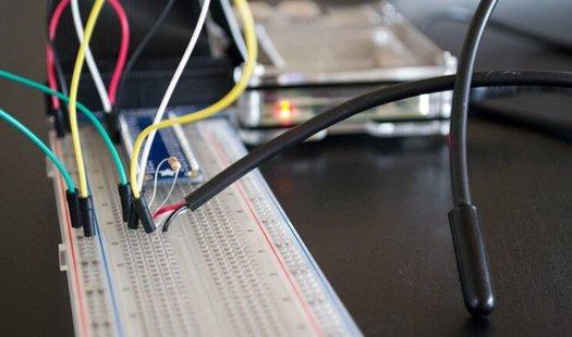 Raspberry Pi Temperature Sensor using the DS18B20 Thumbnail