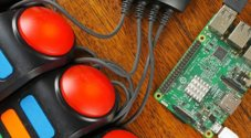 Raspberry Pi Quiz Game using Buzz Controllers